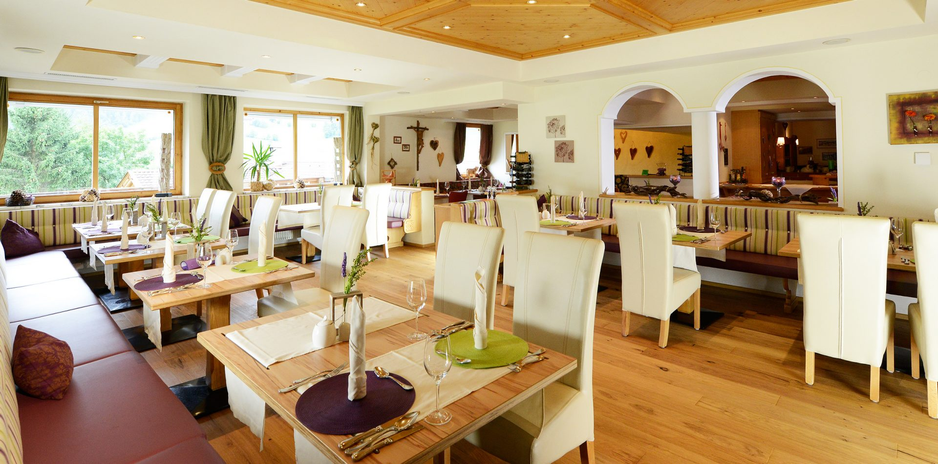 Speisesaal vom LifeStyle Hotel Neustift, dem Ski Hotel im Stubaital