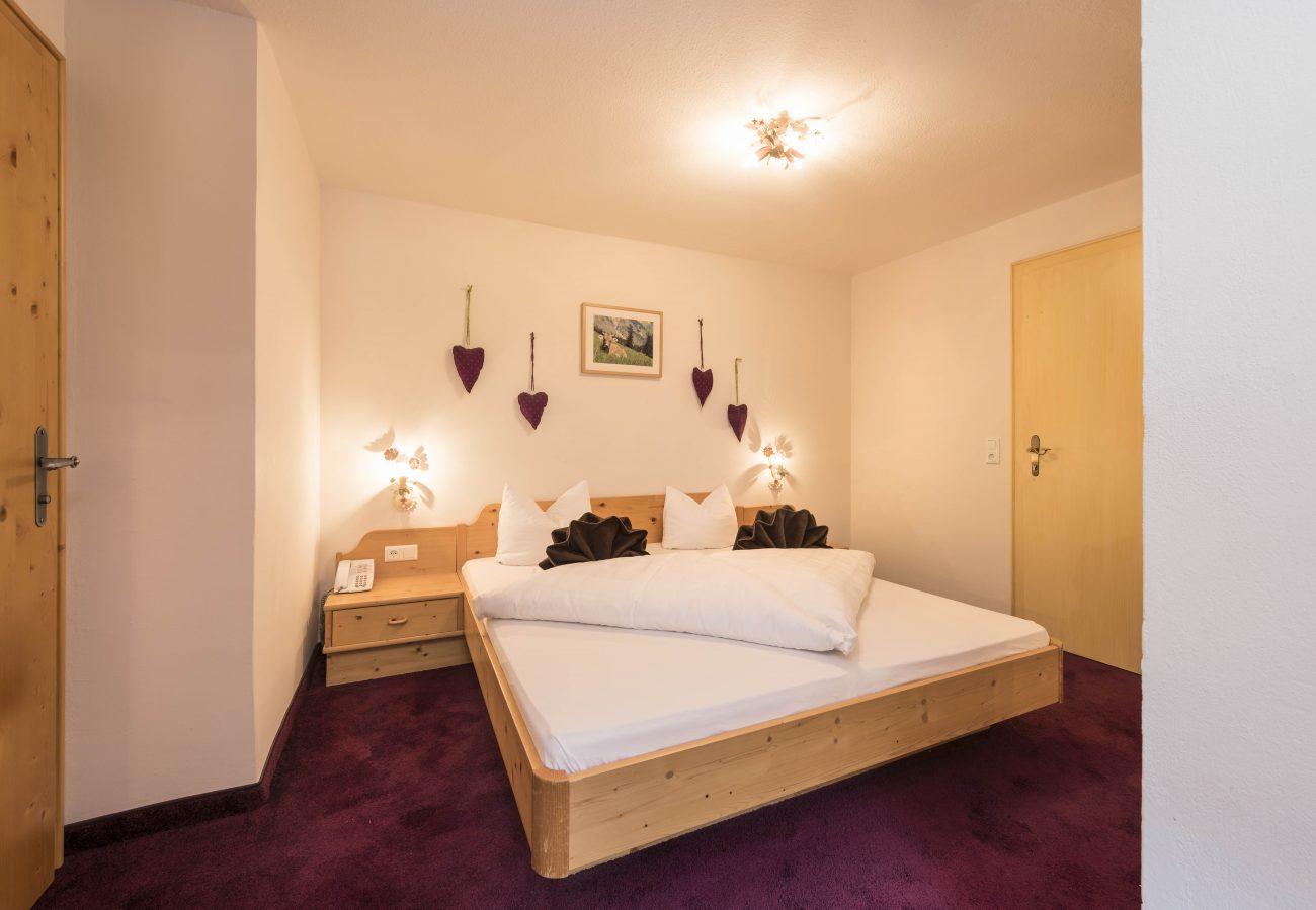 Einzelzimmer Klassik im Hotel Erika in Neustift