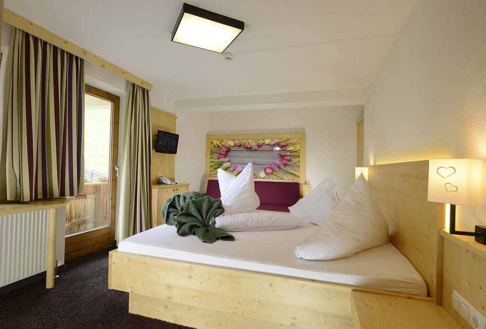 Zimmer mit Bergblick Hotel im Stubaital