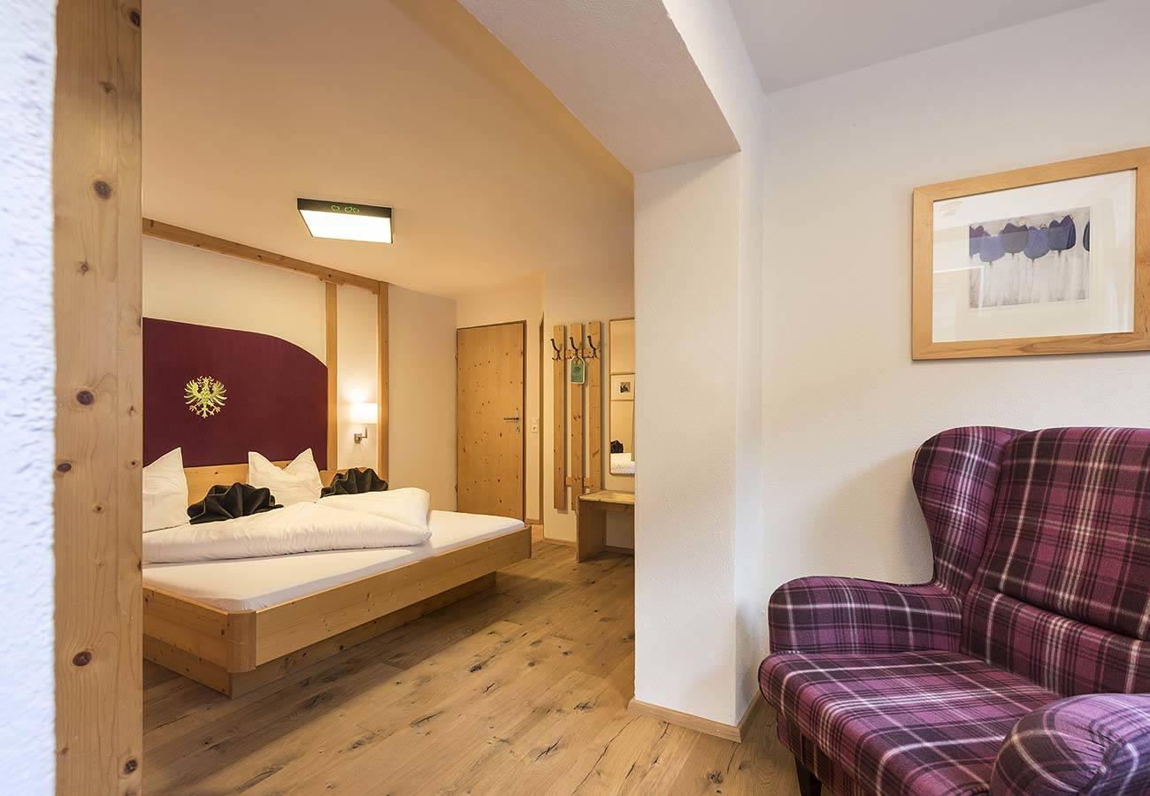 Zimmer mit Bergblick im Hotel im Stubaital