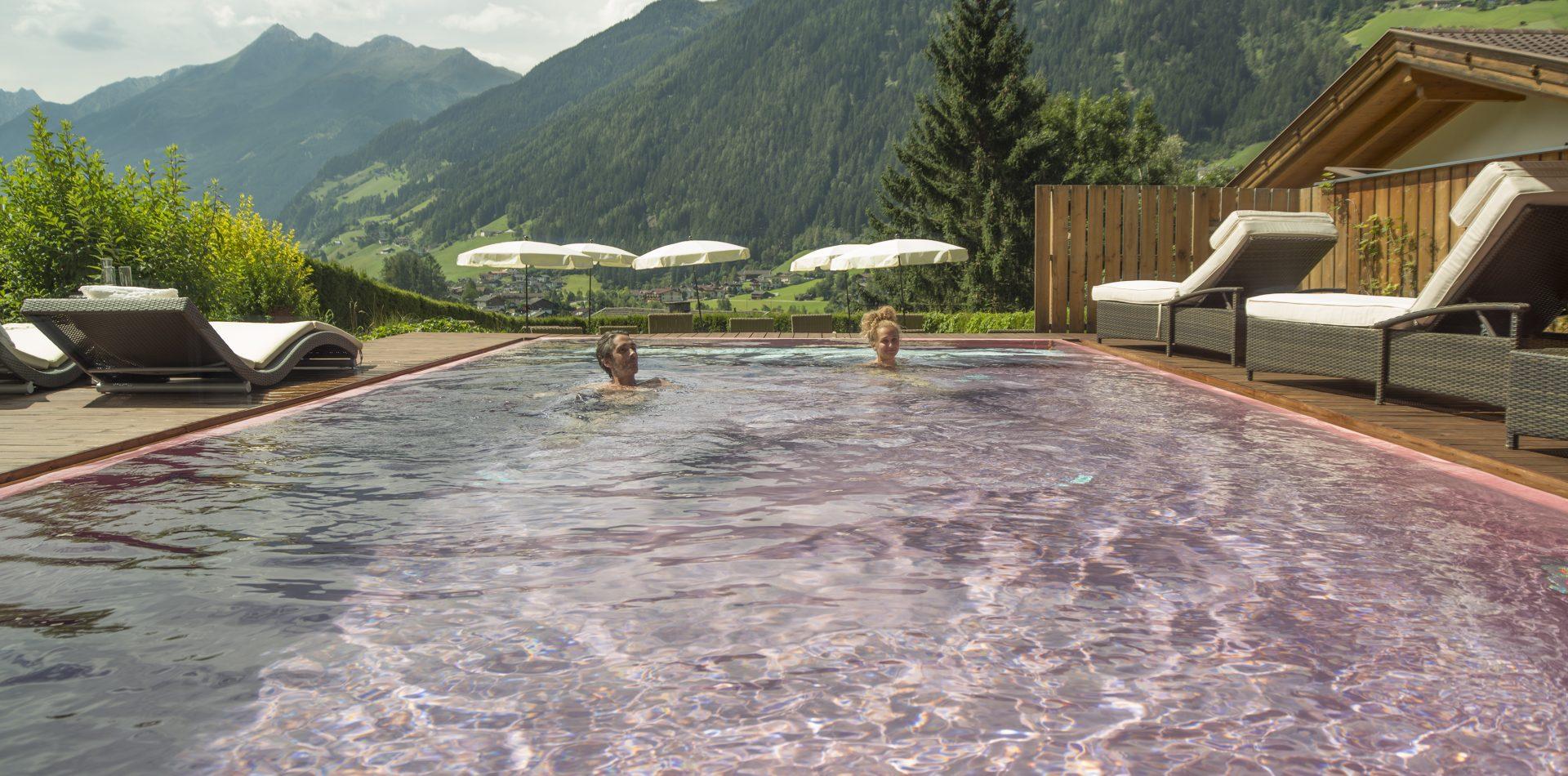 Infinity Pool Hotel Erika im Stubaital