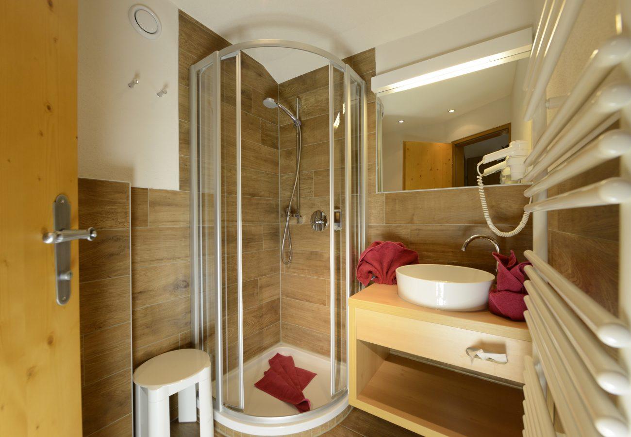 Badezimmer im Hotel Erika Stubaital