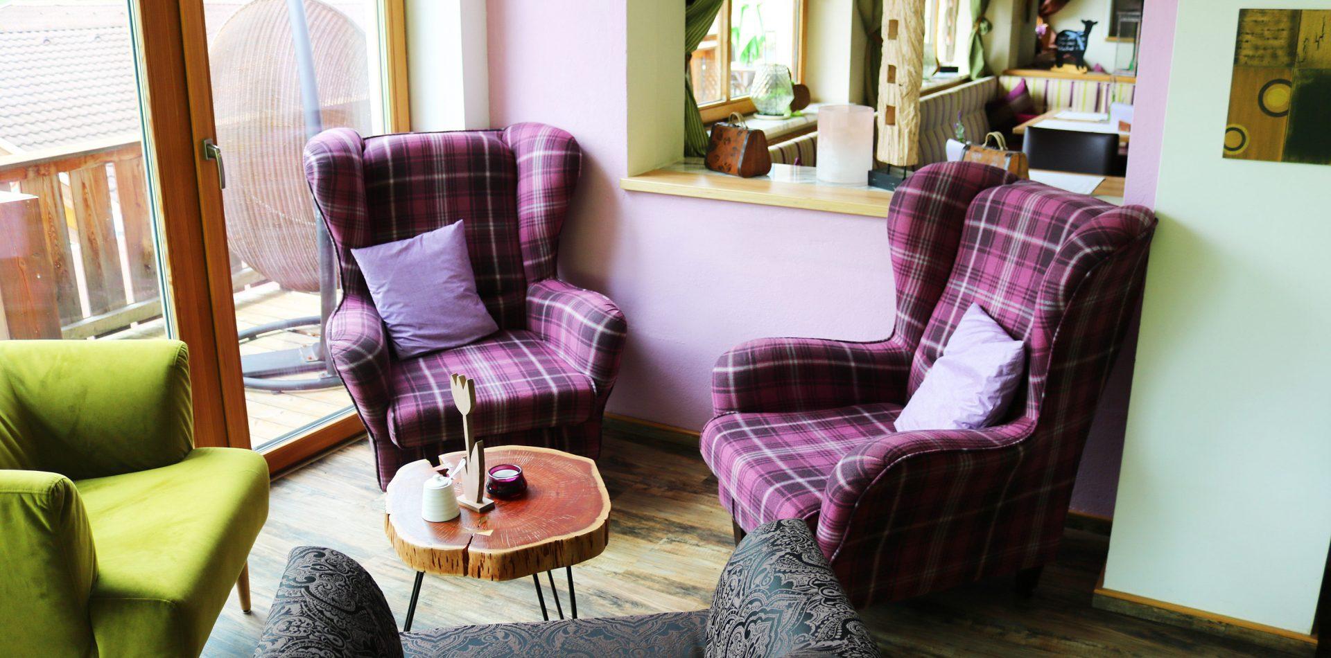 gemütliche Sessel im Hotel Erika im Stubaital