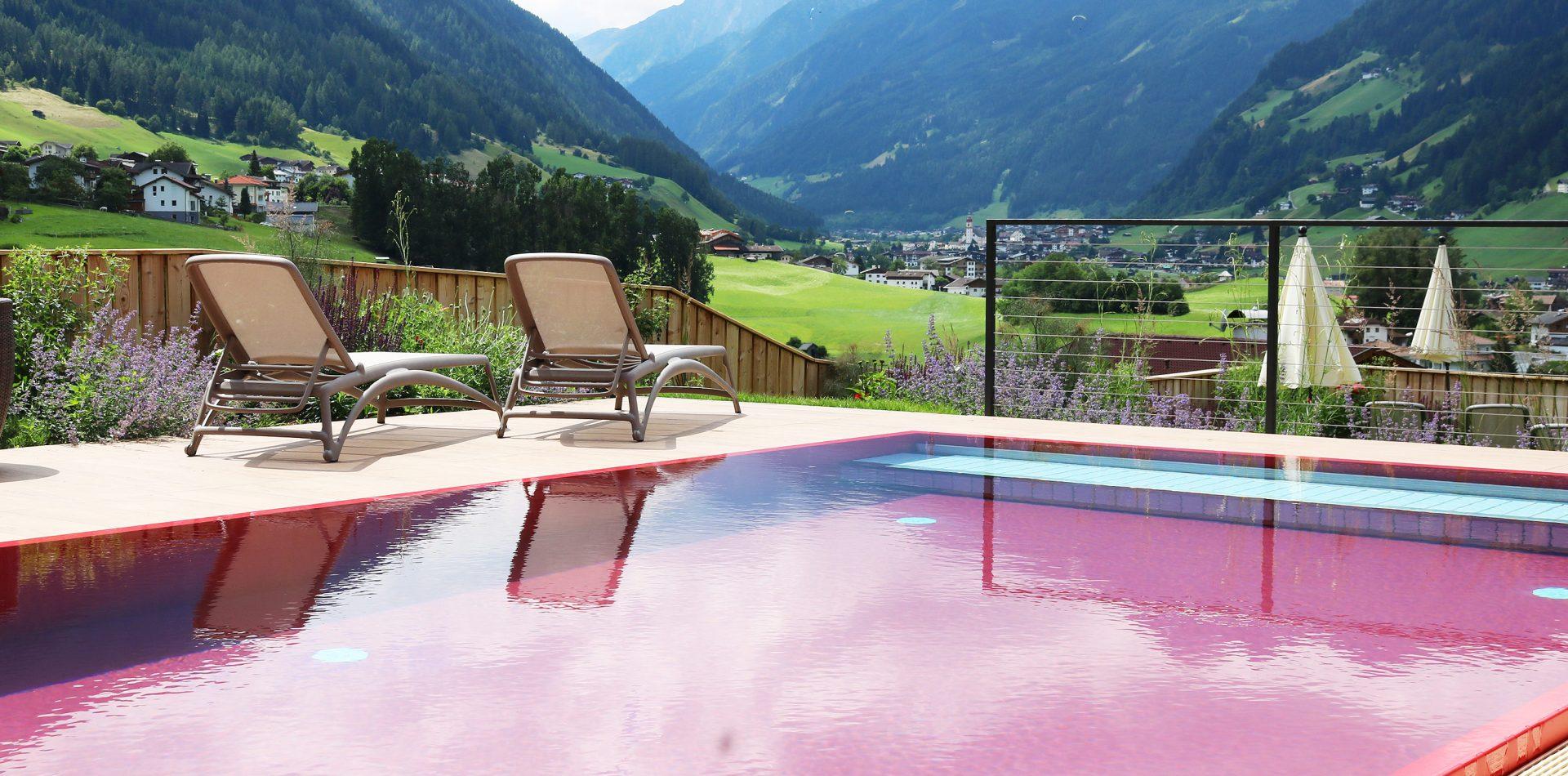 Infinity pool Hotel Erika Stubaital